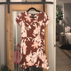 *NEW* Asymmetrical brown floral dress